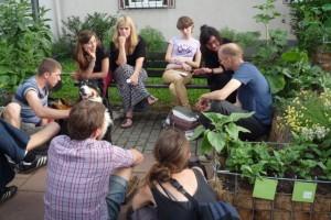 Prof Kuni & unsichtbare Gärten